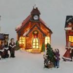 Kerstdorp_in_doos_met_verlichting_9_delig_5_huizen_4_tafereeltjes_3