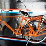 Oranje_metalen_heren_stadsfiets_45cm_25cm_luxe_geschenkdoos