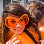 Oranje_zonnebril_groot_dame